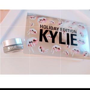 Kylie Jenner eyeshadow pot Golden Plum Holiday Ed!